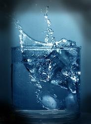 woda-szklanka